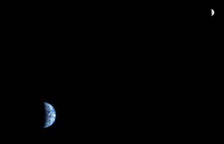 تصویر زمین و ماه از مریخ